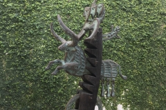 Toro Regue, 2006 Bronce, Madera, Marmol, 81x47x25 Cms